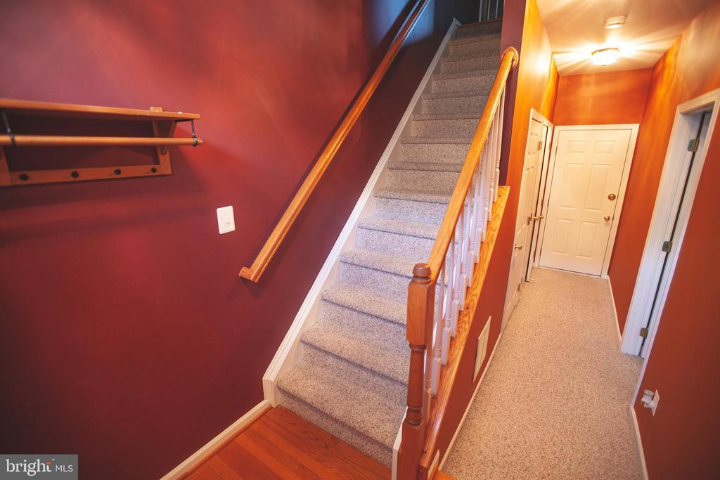 Main Level Foyer - 42839 SYKES TER, CHANTILLY