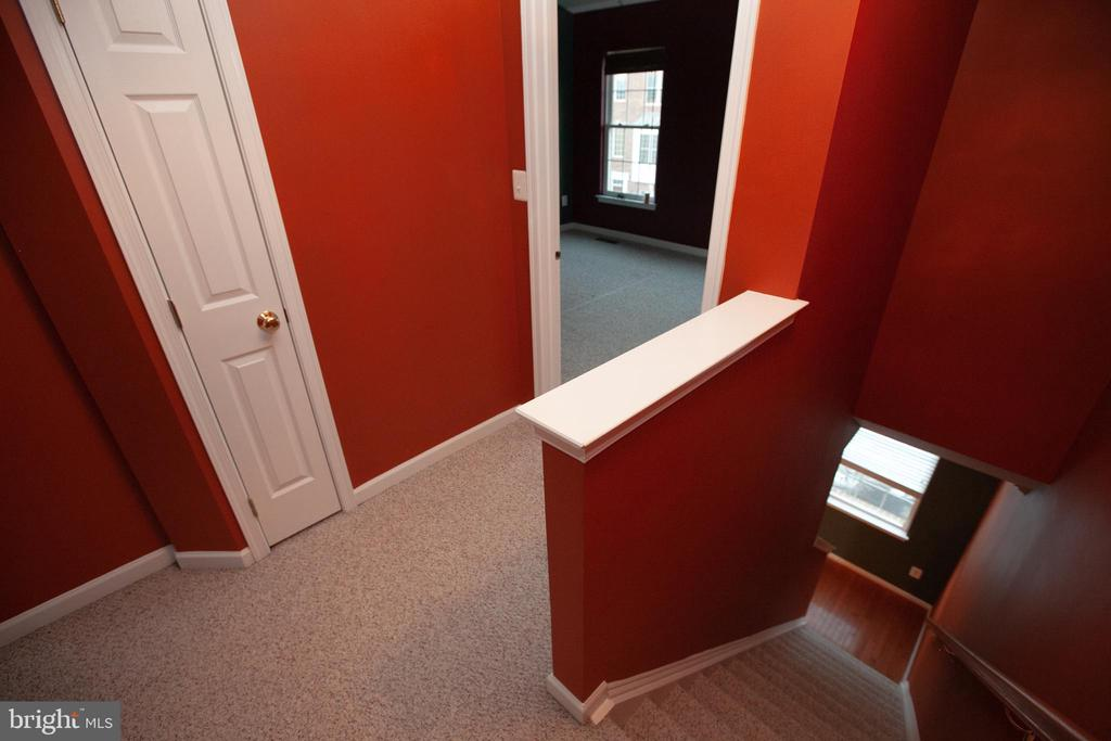 Upper Hallway - 42839 SYKES TER, CHANTILLY