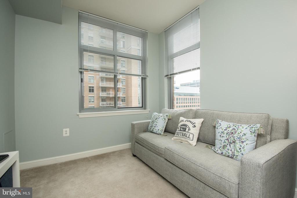 Third bedroom . - 11990 MARKET ST #1117, RESTON