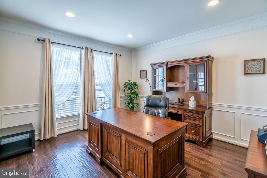 Oversize Windows with Glass Double Doors to Office - 42660 PARADISE SPRING CT, BRAMBLETON