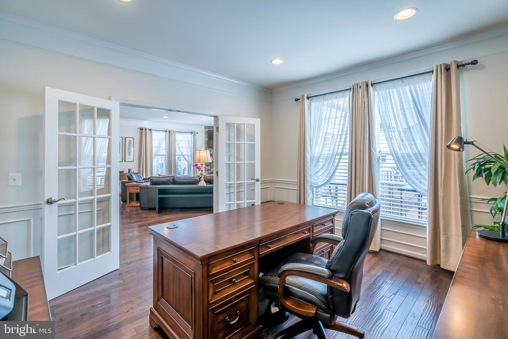 Huge Office with Glass Double Doors! - 42660 PARADISE SPRING CT, BRAMBLETON