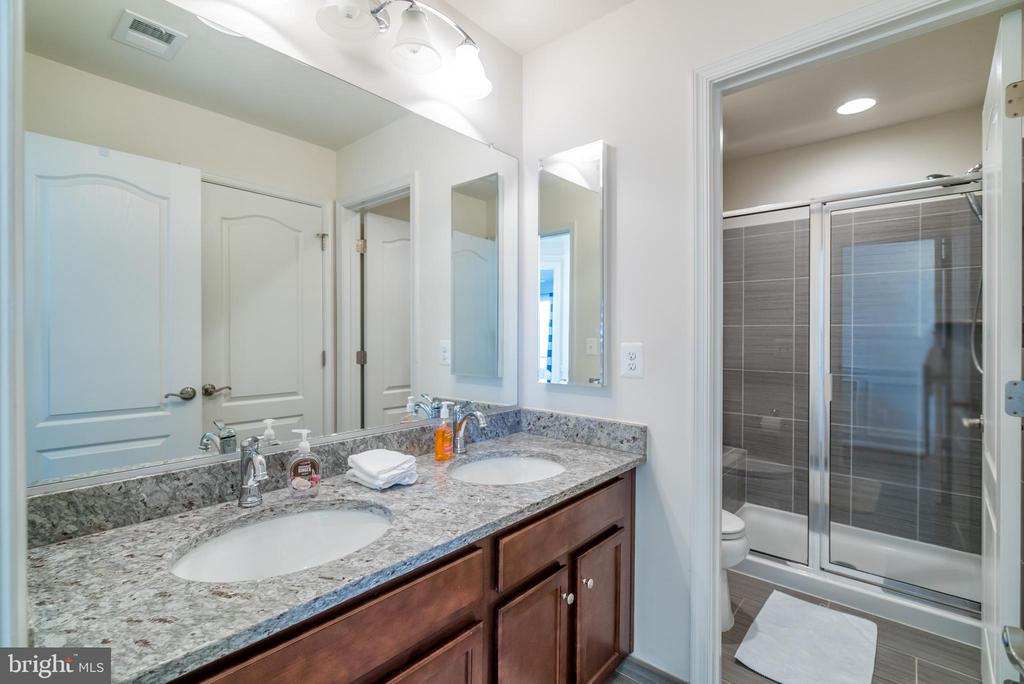 More Double Vanities - 42660 PARADISE SPRING CT, BRAMBLETON