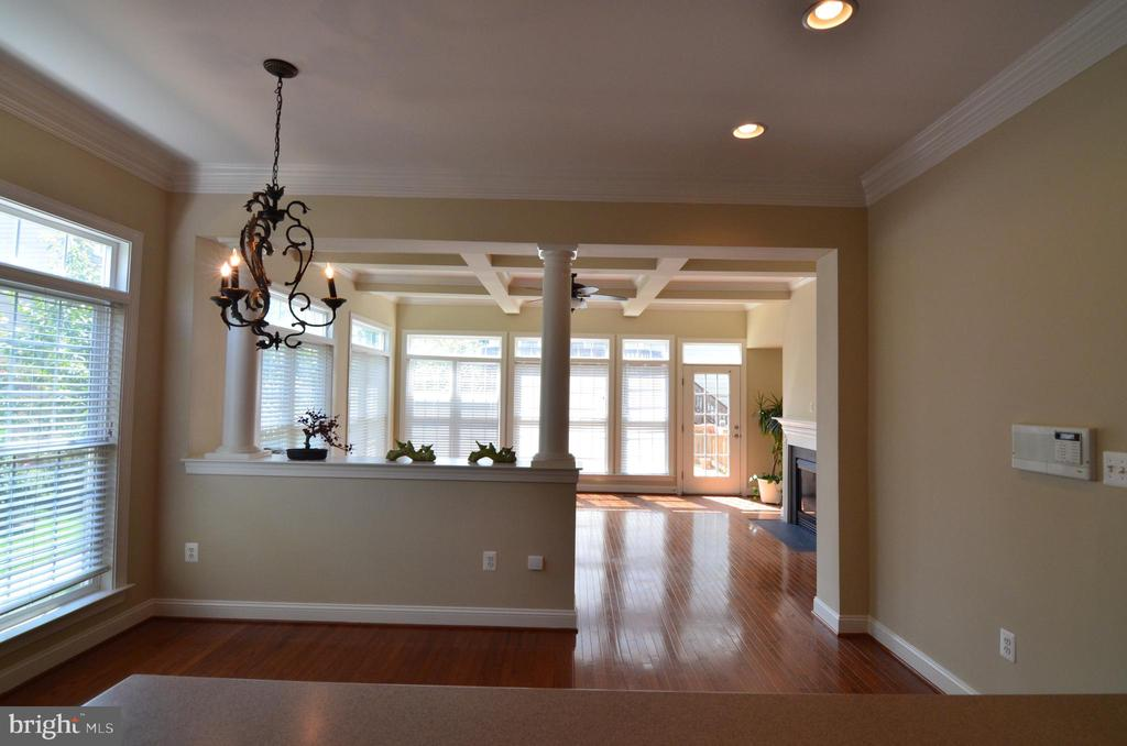 Breakfast Room - 10339 SOUTHAM LN, OAKTON