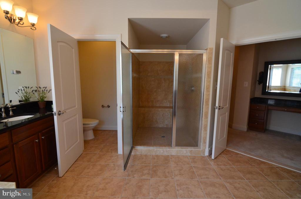 Master Bathroom with Separate Shower - 10339 SOUTHAM LN, OAKTON
