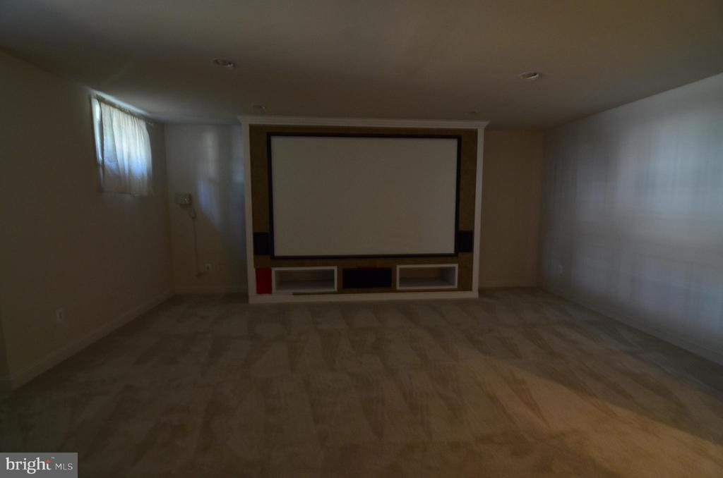 Media Room in Basement - 10339 SOUTHAM LN, OAKTON