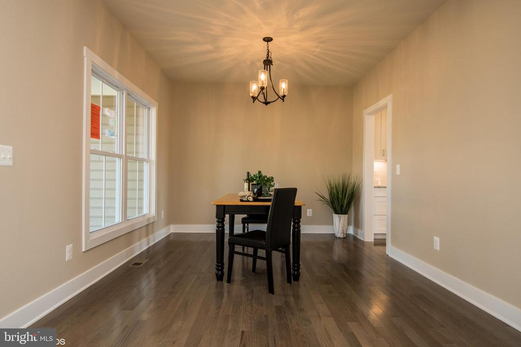 Dining Room with view to office and kitchen - YAKEY LN, LOVETTSVILLE