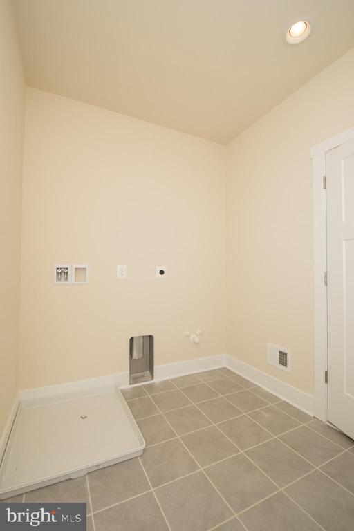 Large Mud/Laundry Room - YAKEY LN, LOVETTSVILLE