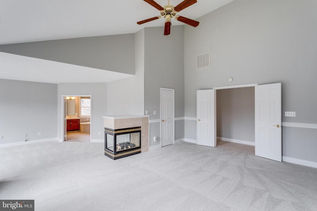 Master Bedroom - 2943 OAKTON KNOLL CT, OAKTON