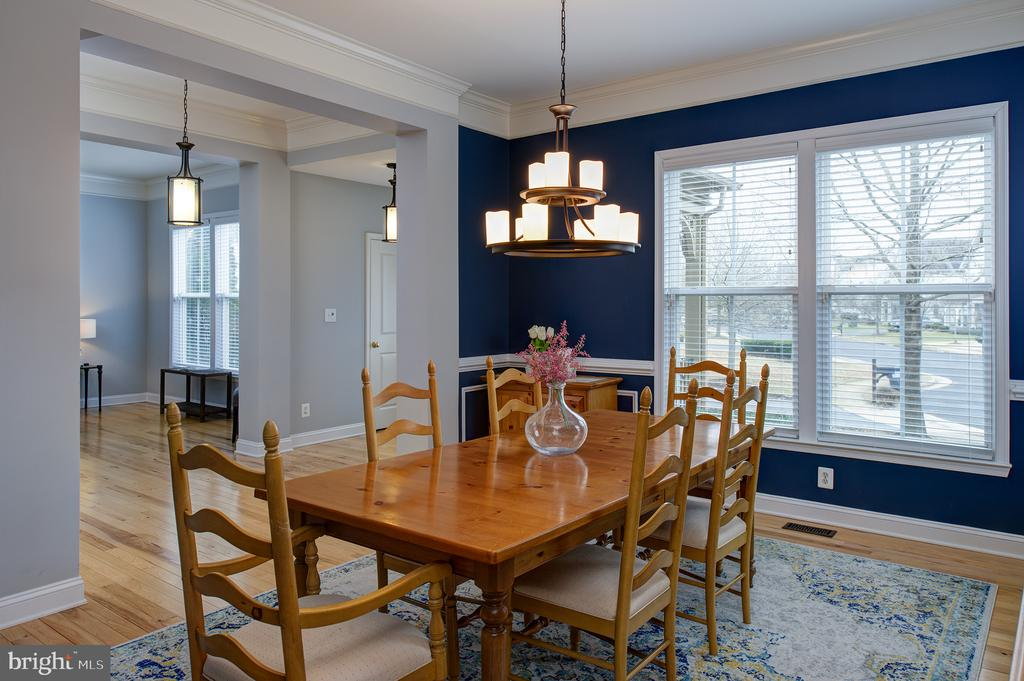 Formal dining room - 6717 ECKERT CT, WARRENTON