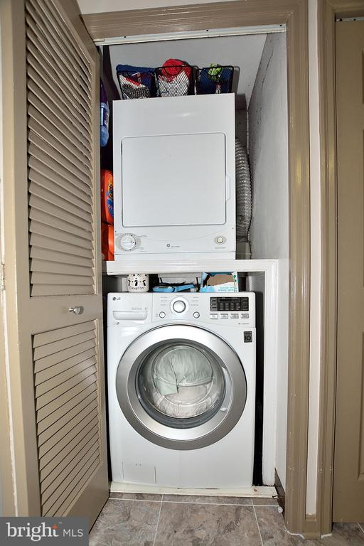 FULL SIZE WASHER/DRYER - 1301 N COURTHOUSE RD N #1809, ARLINGTON