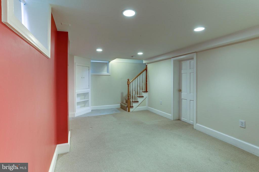 Recreation Room - 2958 NORTHAMPTON ST NW, WASHINGTON