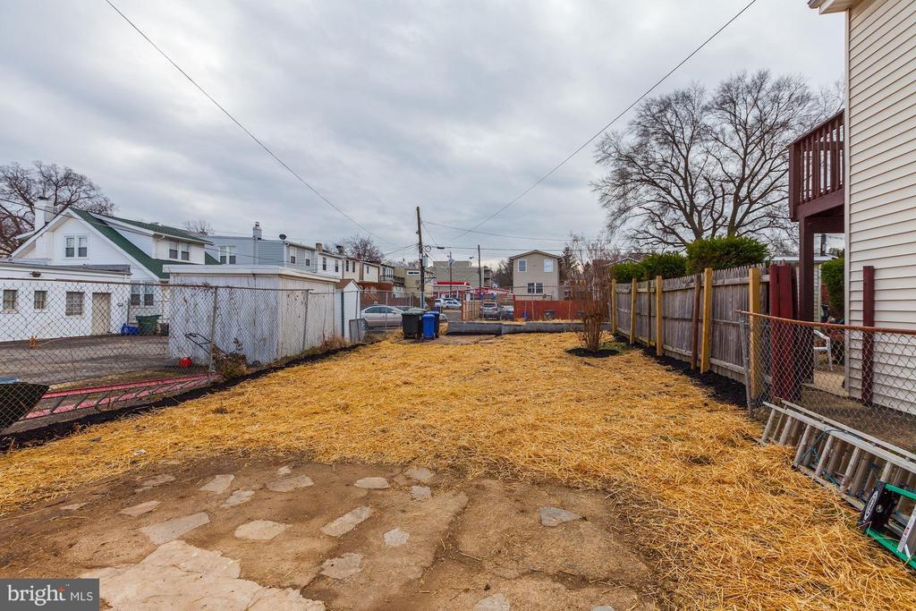 Rear Yard - 1713 NEWTON ST NE, WASHINGTON