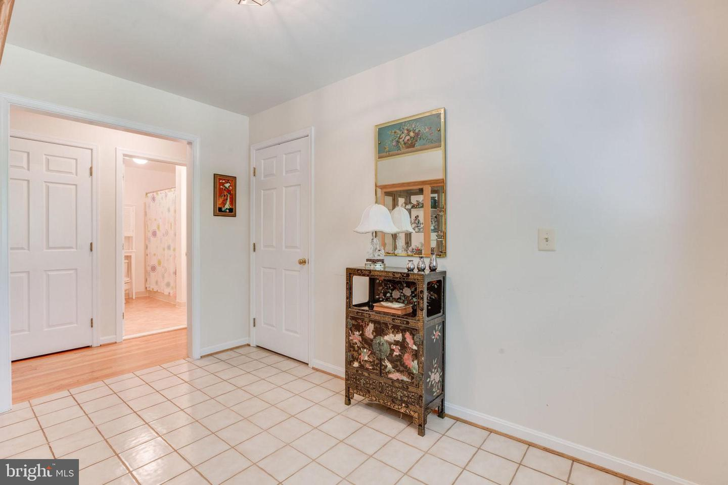 Additional photo for property listing at 4066 Rolling Hills Dr 4066 Rolling Hills Dr Delaplane, Virginia 20144 United States