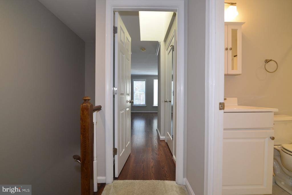 Upper Landing - 2068 WHISPERWOOD GLEN LN, RESTON