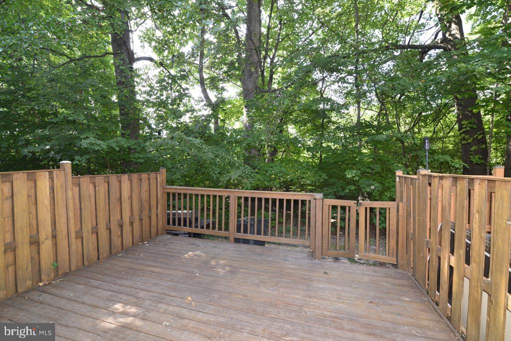 Deck - 2068 WHISPERWOOD GLEN LN, RESTON