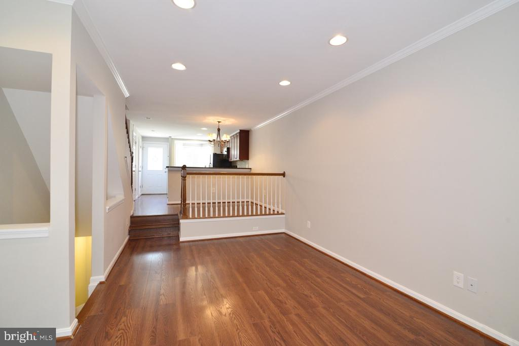 Living and Dining 2 - 2068 WHISPERWOOD GLEN LN, RESTON