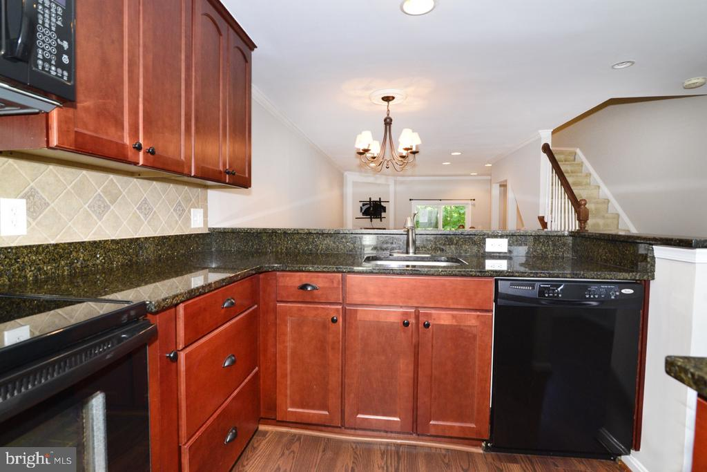 Kitchen 6 - 2068 WHISPERWOOD GLEN LN, RESTON