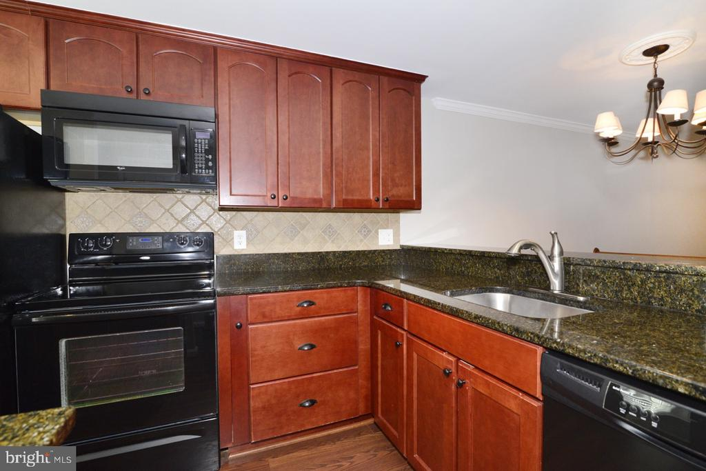 Kitchen 5 - 2068 WHISPERWOOD GLEN LN, RESTON