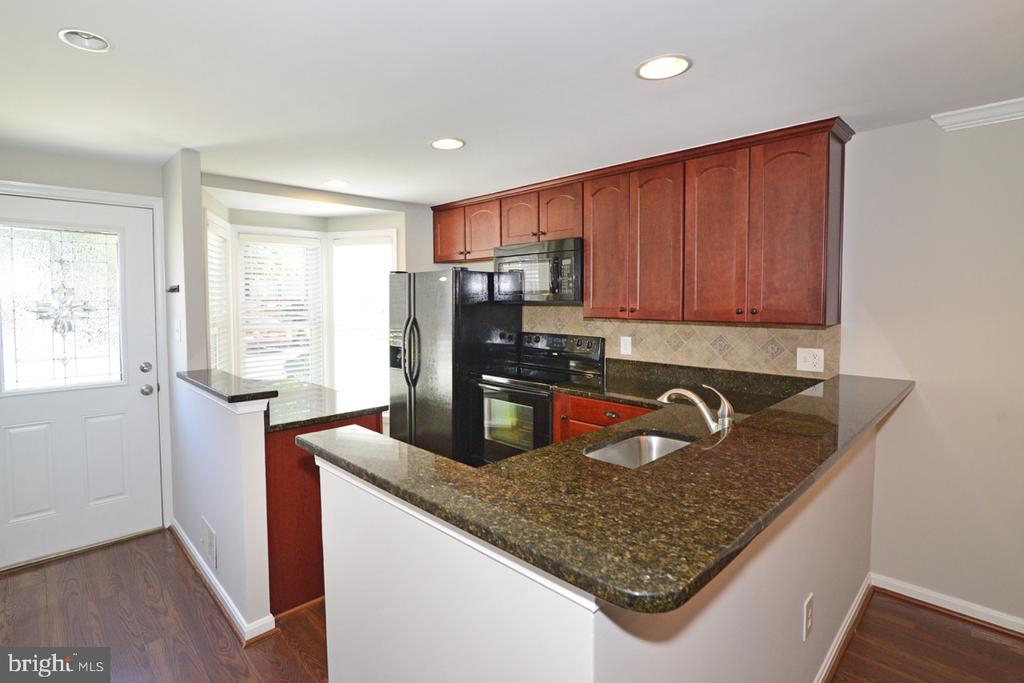 Kitchen 3 - 2068 WHISPERWOOD GLEN LN, RESTON