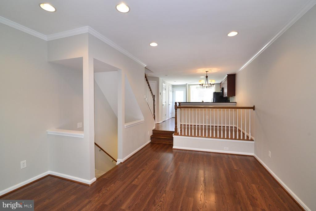 Living Room Landing - 2068 WHISPERWOOD GLEN LN, RESTON