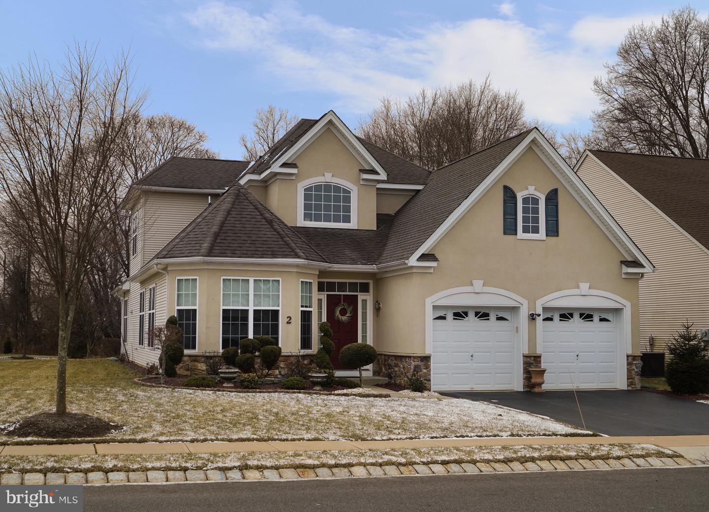 Частный односемейный дом для того Продажа на 2 BARTON Drive Hightstown, Нью-Джерси 08520 Соединенные ШтатыВ/Около: Hightstown Borough