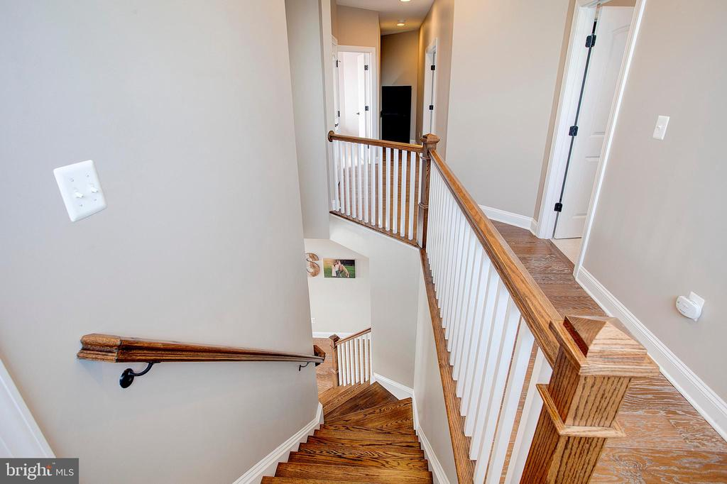 Stairs - 18607 MONTAGUE PL, PURCELLVILLE