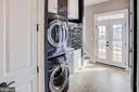 Laundry and mud room have service entrance - 18607 MONTAGUE PL, PURCELLVILLE