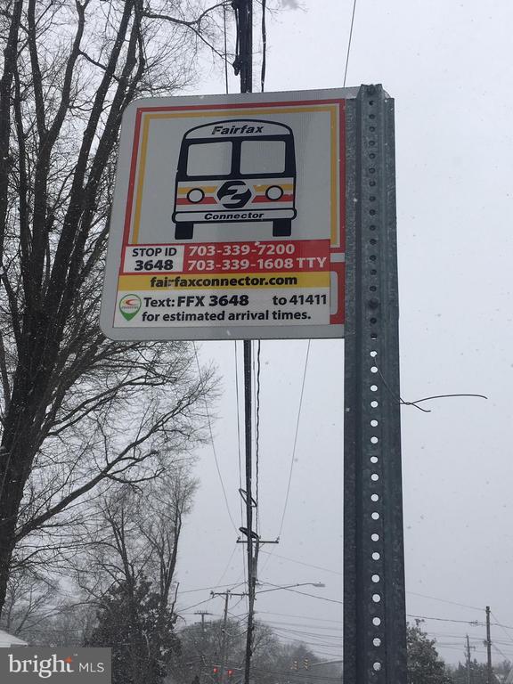Bus Stop at driveway - 6317 THOMAS DR, SPRINGFIELD