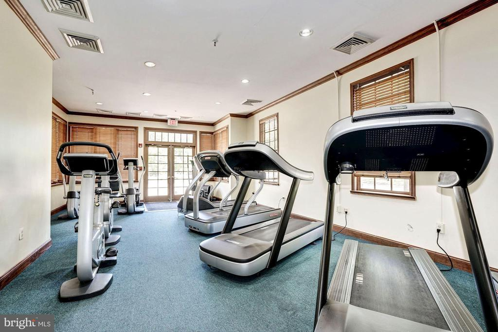 Plenty of equipment. Trainers & classes available. - 18421 GREEN ISLAND TER, LEESBURG