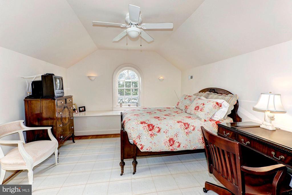 Bedroom - 3241 WOODLAND DR NW, WASHINGTON
