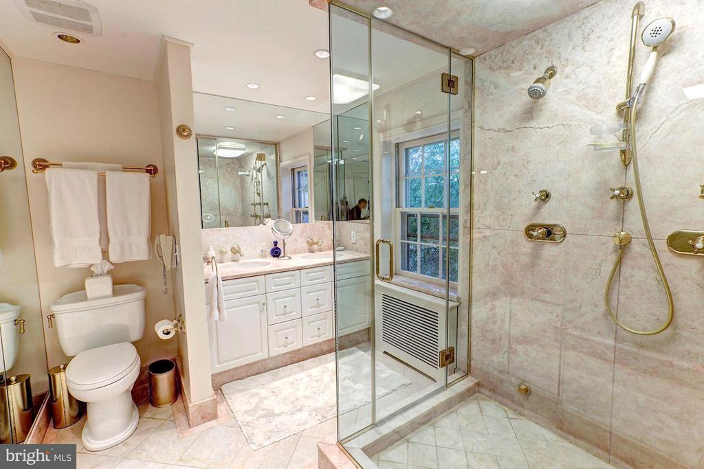Master Bathroom - 3241 WOODLAND DR NW, WASHINGTON