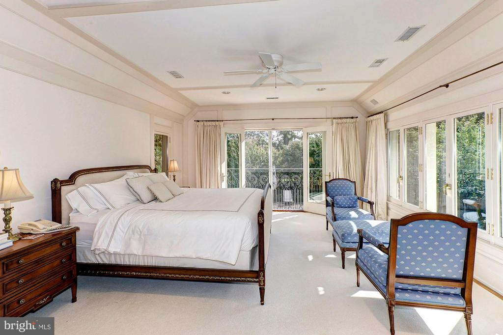 Master Bedroom Suite - 3241 WOODLAND DR NW, WASHINGTON
