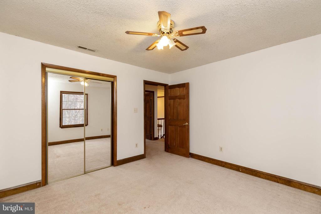 All bed rooms with old fashioned Ceiling fans - 13459 FOWKE LN, WOODBRIDGE