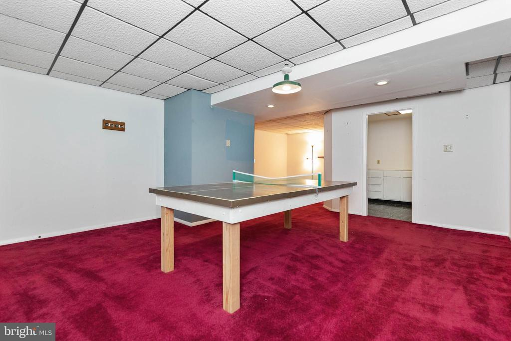 Game Room with access to a wet-bar - 13459 FOWKE LN, WOODBRIDGE