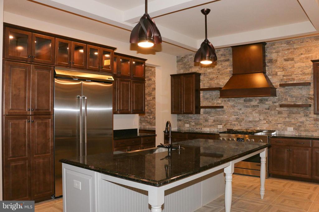 Kitchen - 40972 BLOSSOM GLADE DR, ALDIE