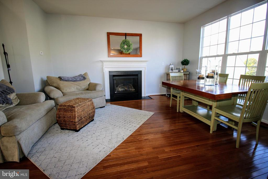 Family Room off Kitchen - 42658 HARRIS ST, CHANTILLY