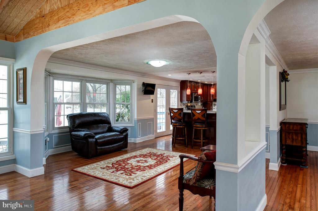 A view of informal ding area from Family room - 3295 BLUE HERON DR, FALLS CHURCH
