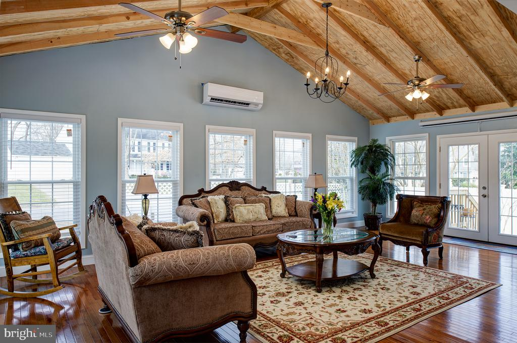 26x16 Family room addit, with vaulted/beam ceiling - 3295 BLUE HERON DR, FALLS CHURCH
