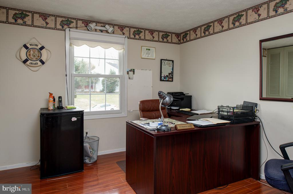One upper level bedroom shown as home office - 3295 BLUE HERON DR, FALLS CHURCH