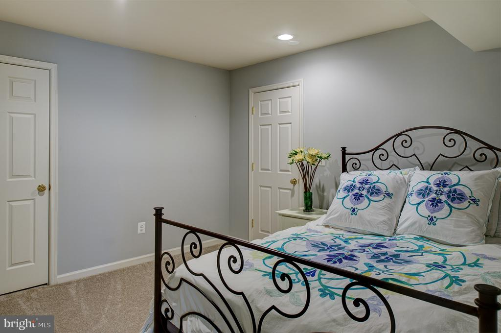 Lower level bedroom 6 - 6717 ECKERT CT, WARRENTON