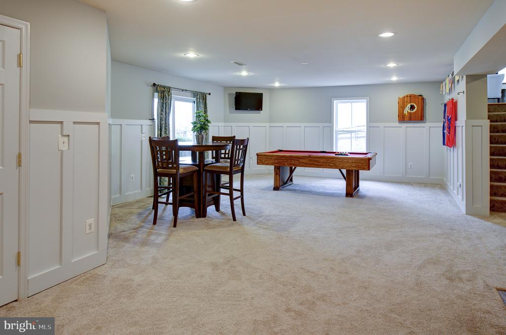 Rec room with custom wainscoting - 6717 ECKERT CT, WARRENTON