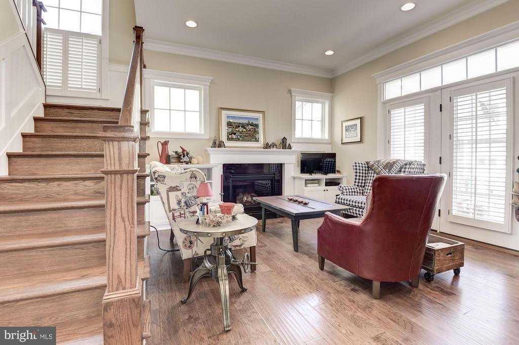 Main floor living area - 1307 N GEORGE MASON DR, ARLINGTON