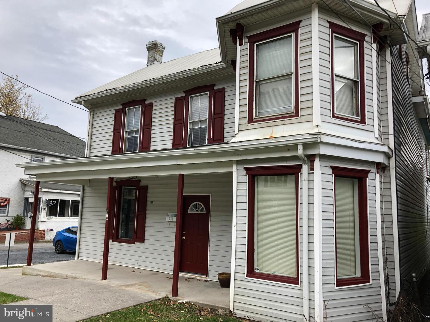 Single Family for Sale at 270 N Washington St Berkeley Springs, West Virginia 25411 United States