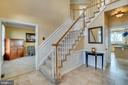Ceramic tile, wainscoting...elegant touches - 42922 PALLISER CT, LEESBURG