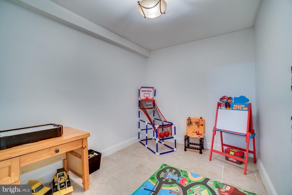 Multi-purpose room (currently used as playroom) - 42922 PALLISER CT, LEESBURG