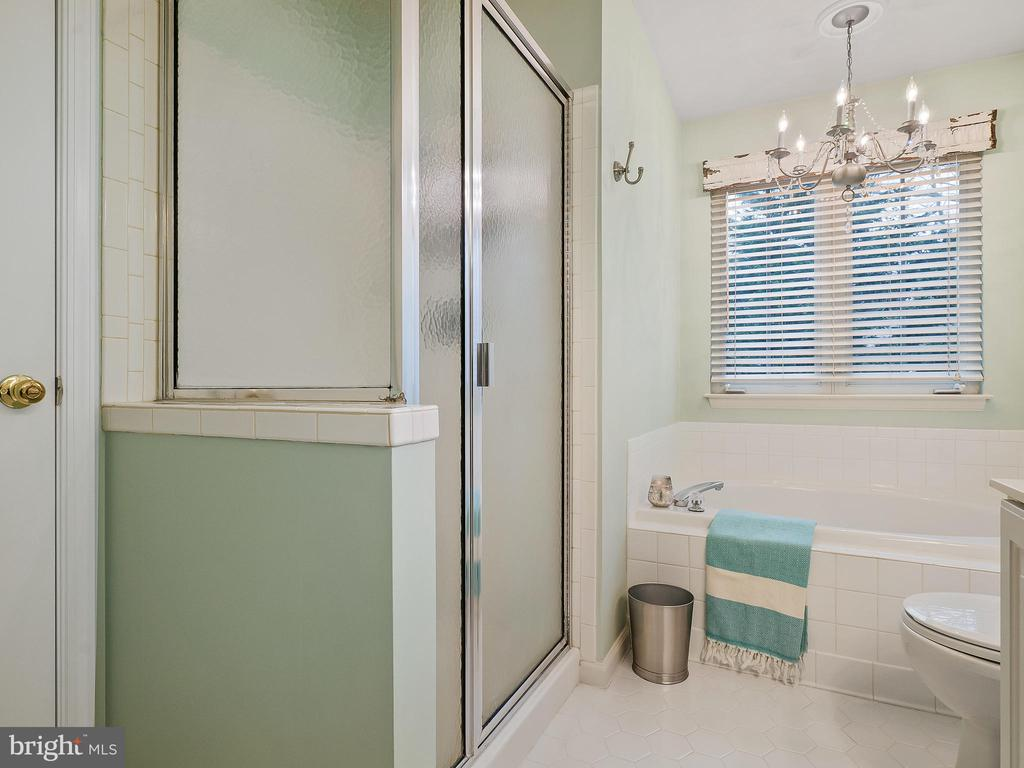 Master Bathroom - 5629 EPPES ISLAND PL, MANASSAS