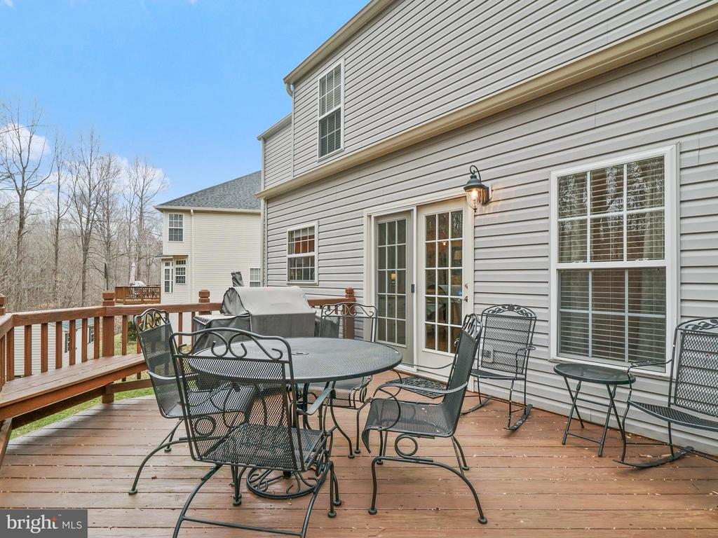 Perfect Deck for entertaining - 5629 EPPES ISLAND PL, MANASSAS