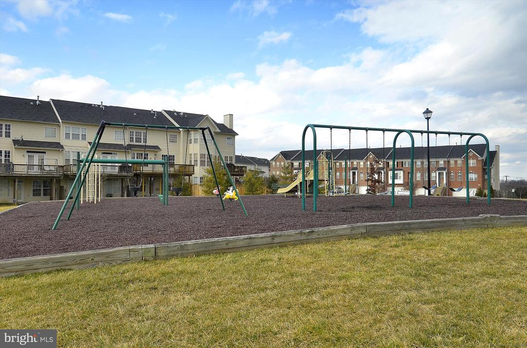 One of the playgrounds - 42922 PALLISER CT, LEESBURG
