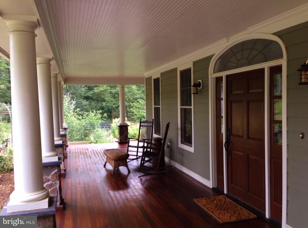 FRONT MAHOGANY PORCH - 20970 STEPTOE HILL RD, MIDDLEBURG