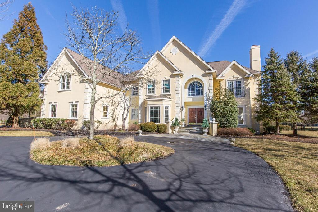 5709  VALLEY STREAM DRIVE, Doylestown, Pennsylvania